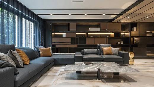 金属线条与前板吊顶相结合,诠释高级沉稳的空间氛围