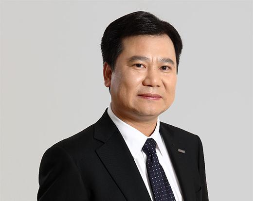张近东退出苏宁易购法定代表人,由总裁任峻接任